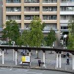 【尼崎駅】北口の階段を降りた東側地上部分のの休憩場所