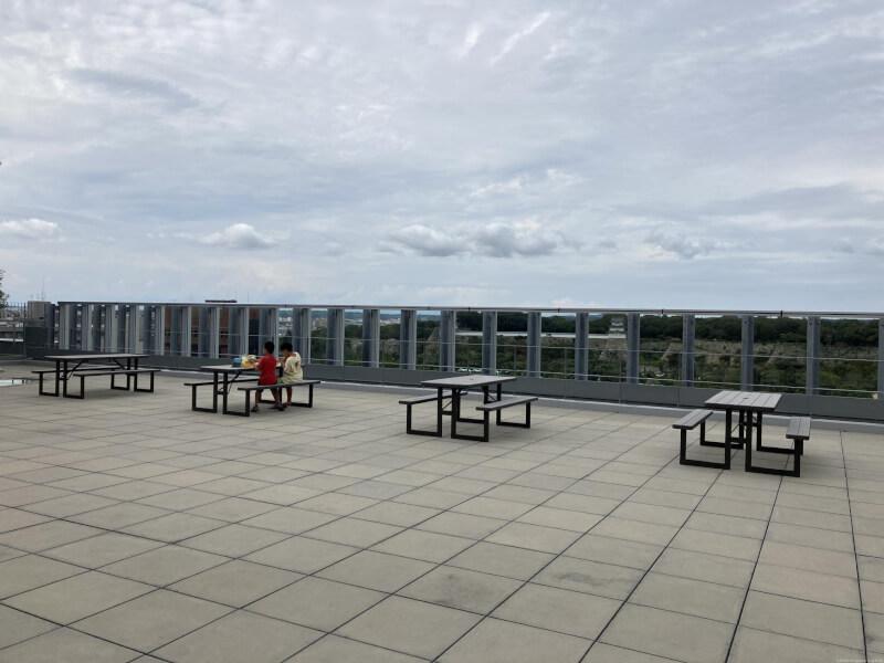 【明石駅】パピオス明石7Fの屋上広場の休憩場所2