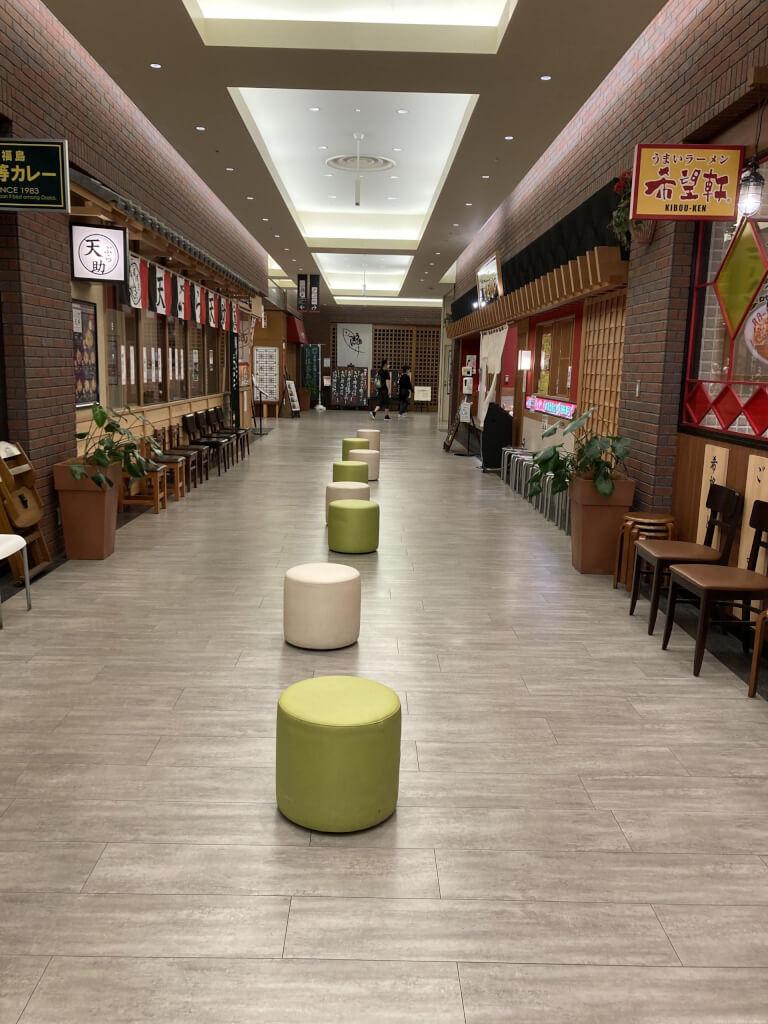 【尼崎駅】あまがさきキューズモール4Fの休憩場所1