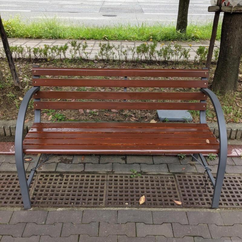 【南公園駅】バンドー青少年科学館前の休憩場所2
