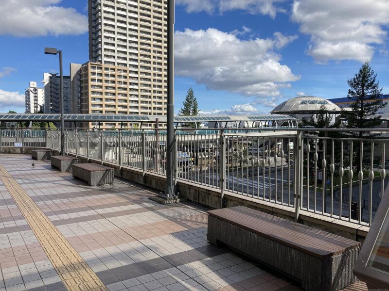 【尼崎駅】あまがさきキューズモール 2F入り口横の休憩場所4
