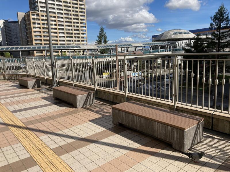 【尼崎駅】あまがさきキューズモール 2F入り口横の休憩場所2