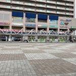 【垂水駅】東改札口を出た広場の休憩場所