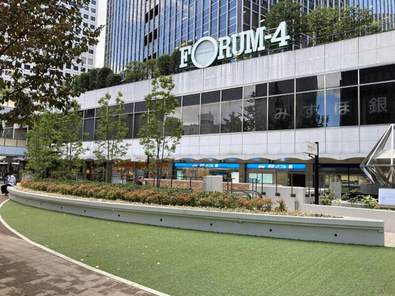 【東梅田駅】大阪駅前第4ビル東側の休憩場所2