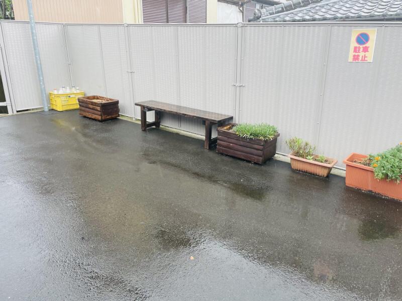 【崇福寺駅】上小島4丁目のベンチの休憩場所1