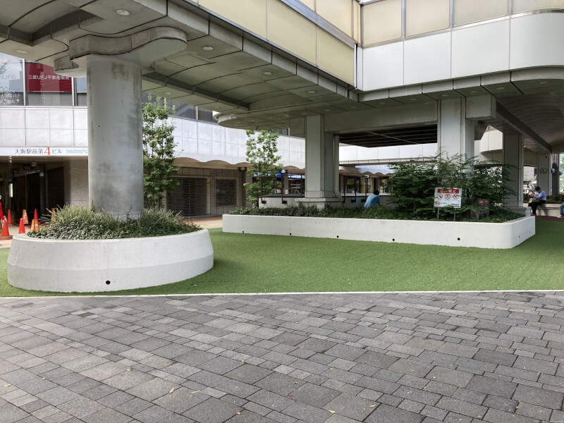 【東梅田駅】大阪駅前第4ビル東側の休憩場所4