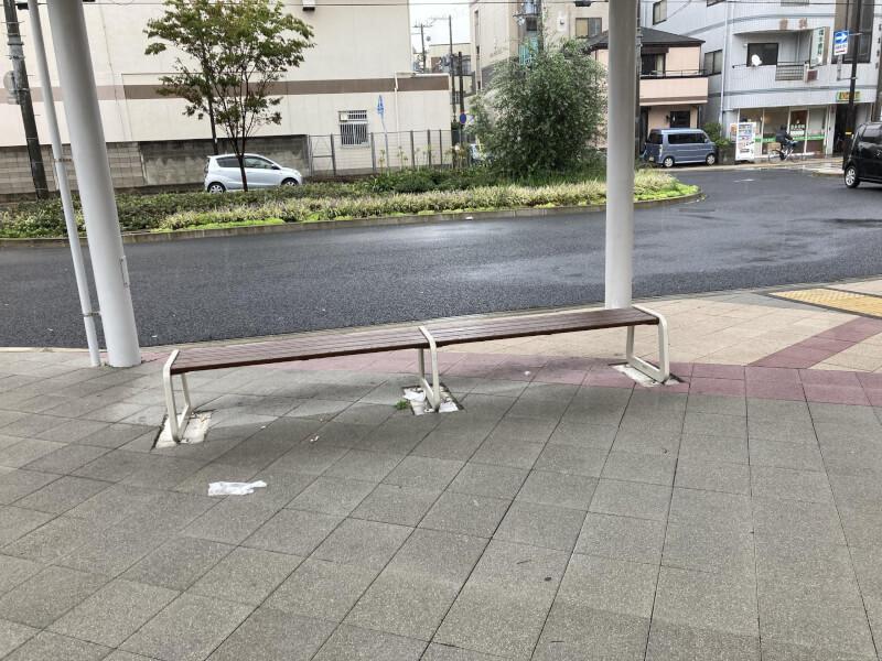 【西新町駅】北口(西側)の休憩場所4