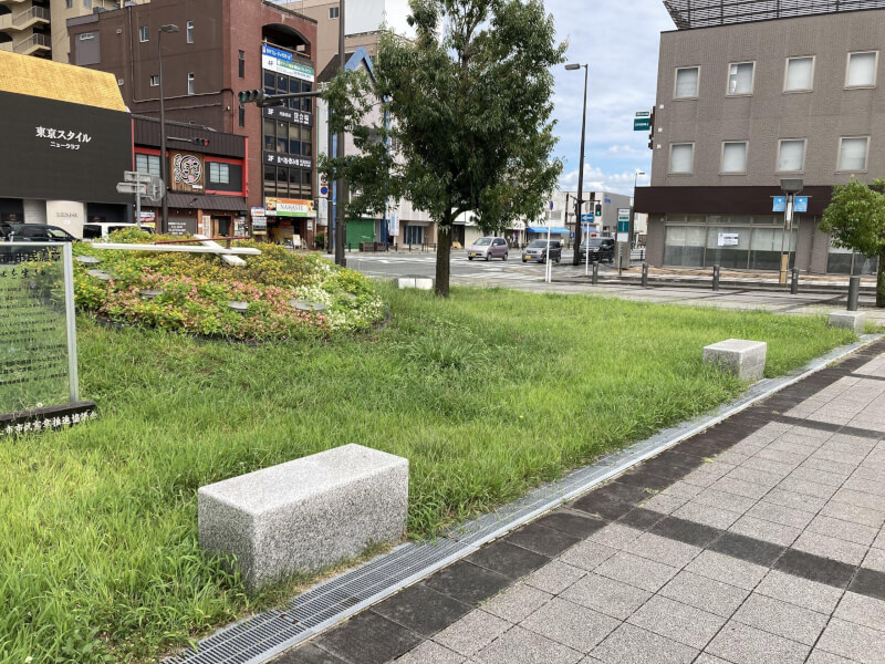 【福知山駅】北口公園の休憩場所1
