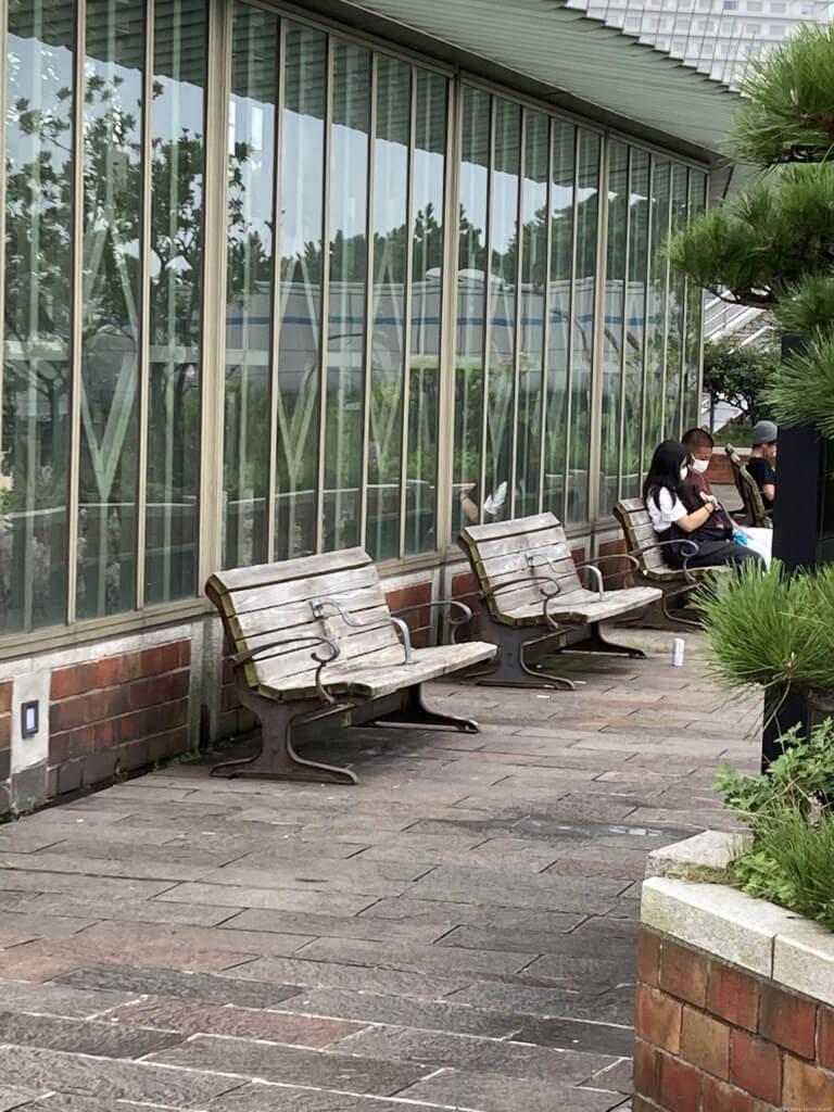 【舞子駅】南口の広場先の明石海峡に面したの休憩場所2