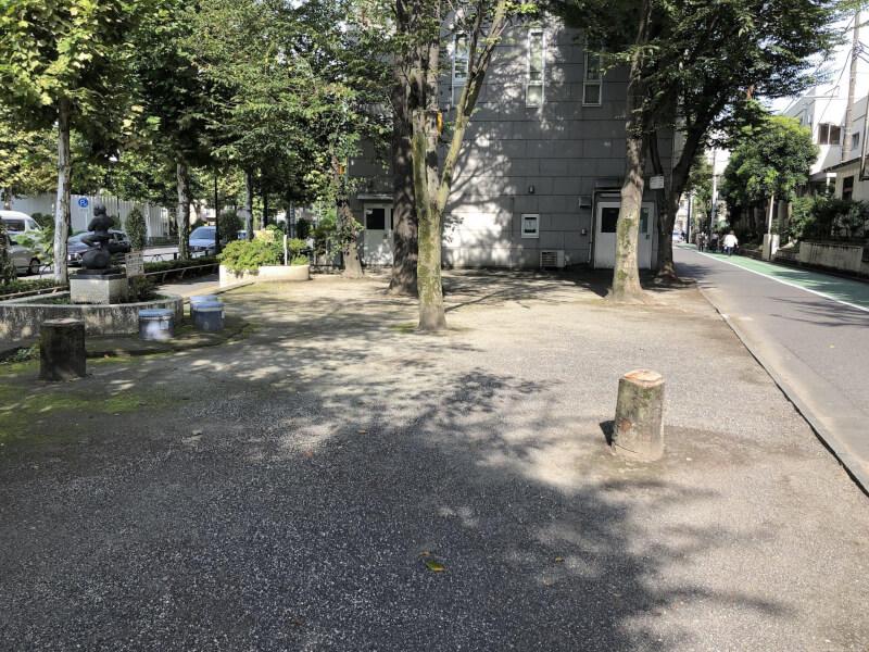 【大山駅】板橋グリーンホール横の休憩場所2