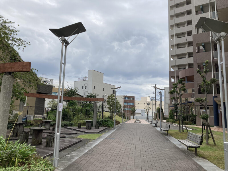 【三国駅】ネバーランド北大阪前の休憩場所1