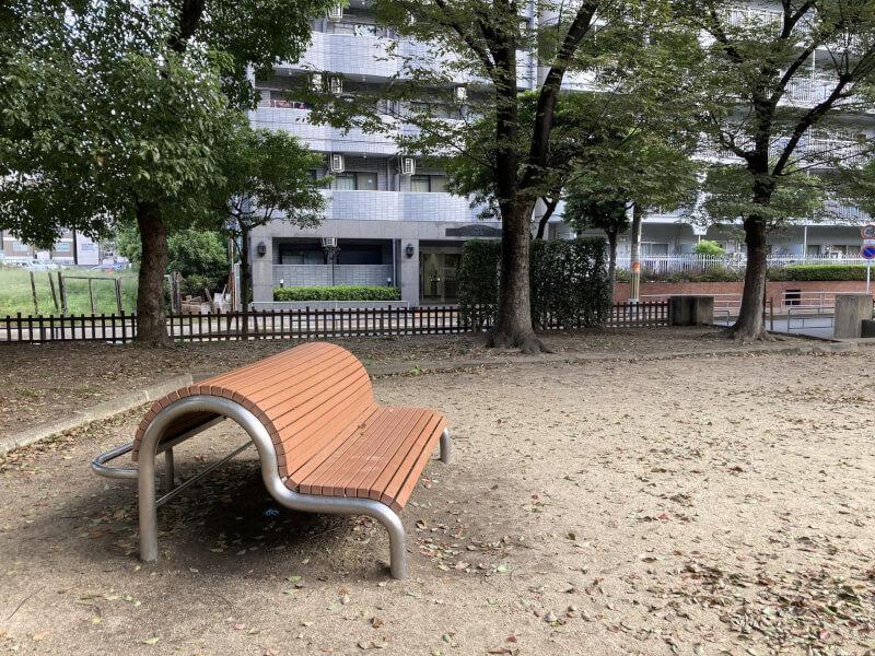 【東三国駅】北中島公園の休憩場所3