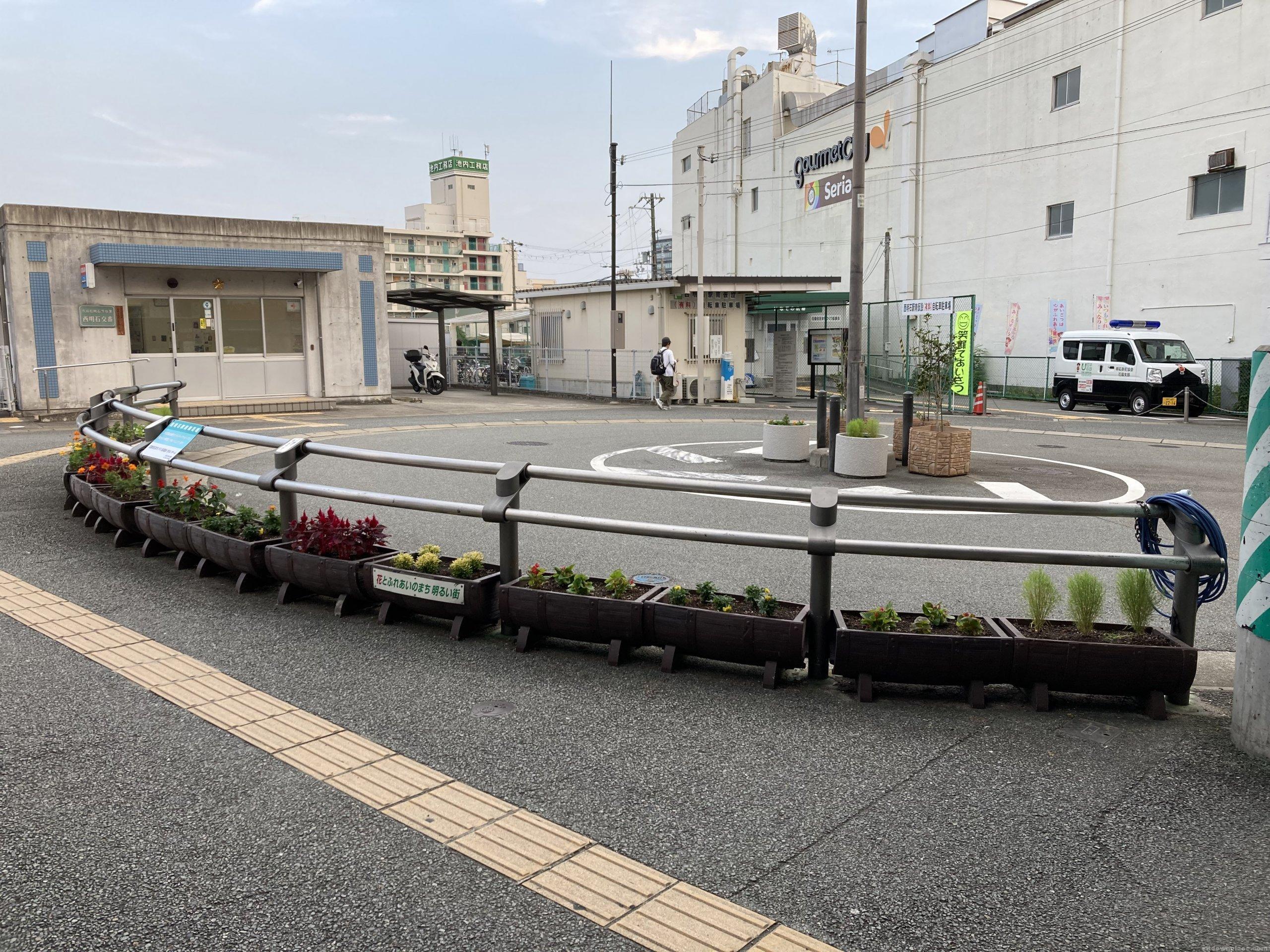 【西明石駅】東口南側の休憩場所2