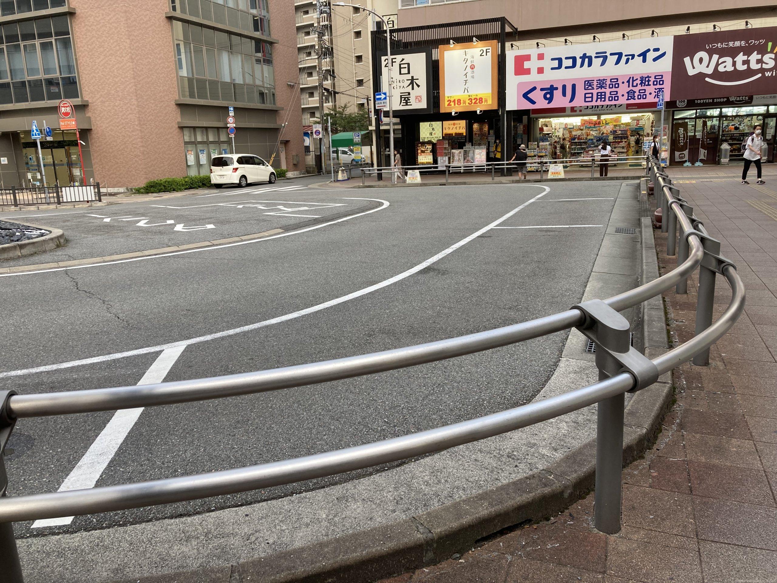 【西明石駅】東口北側の休憩場所4