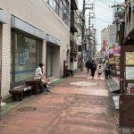 【垂水駅】東口改札を出た垂水商店街銀座の通りの休憩場所