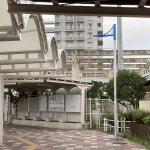 【朝霧駅】北口の西側の休憩場所