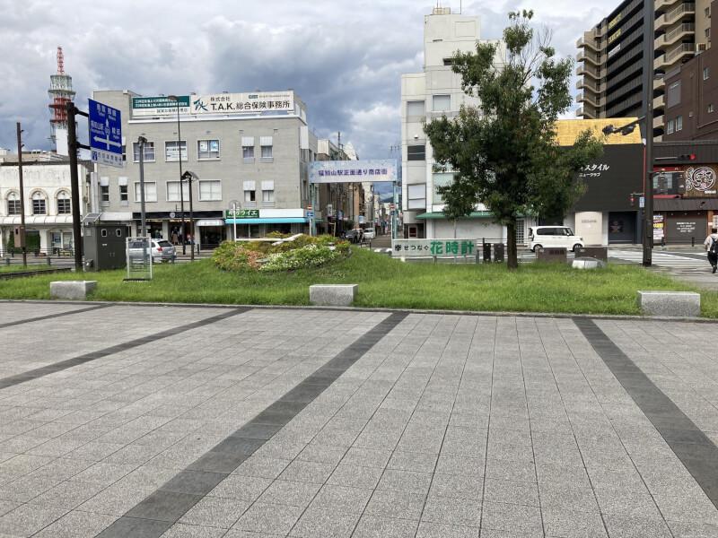 【福知山駅】北口公園の休憩場所2