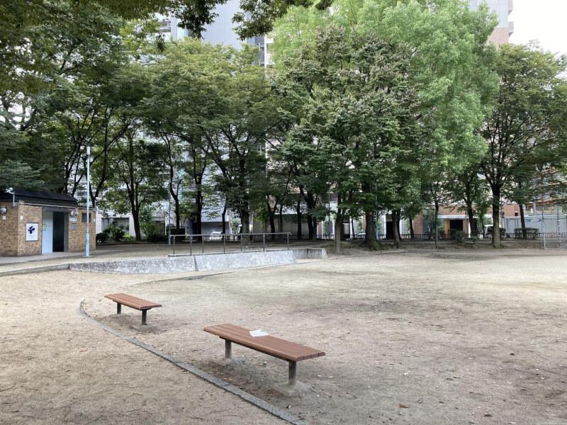 【東三国駅】北中島公園の休憩場所2