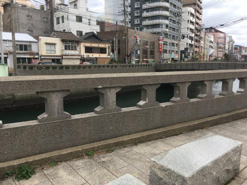 【めがね橋駅】浜町アーケード近くの休憩場所1