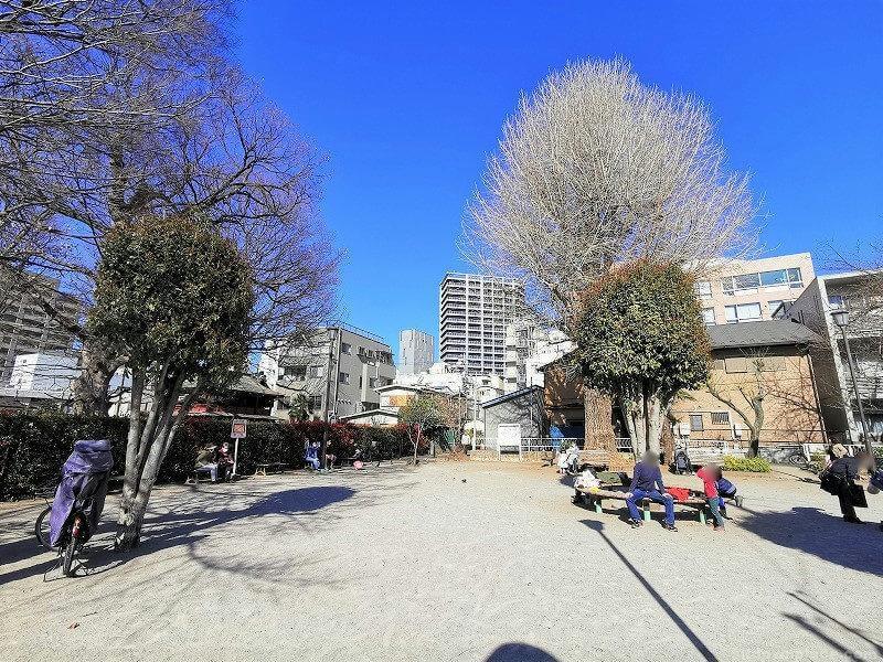浦和駅中央公園の休憩場所その2