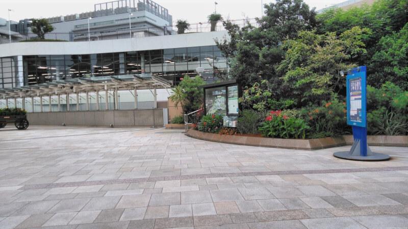 【難波駅】なんばCITY南館花屋さん近くの休憩場所2