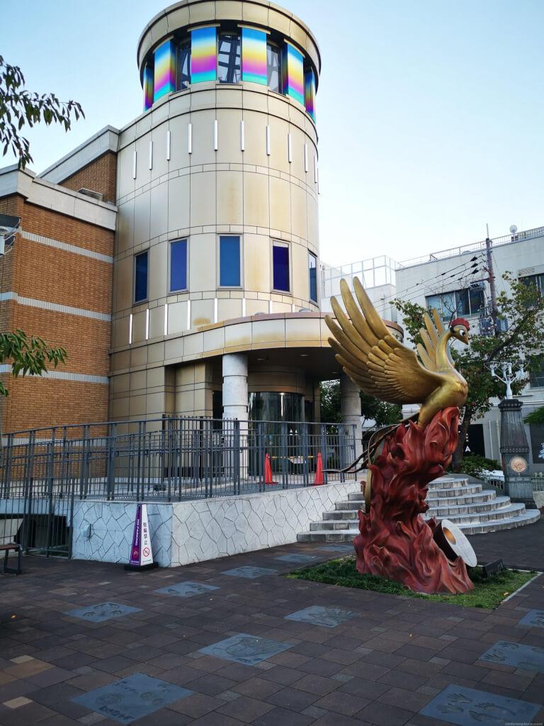 【宝塚南口駅】手塚治虫記念館エントランスの休憩場所3