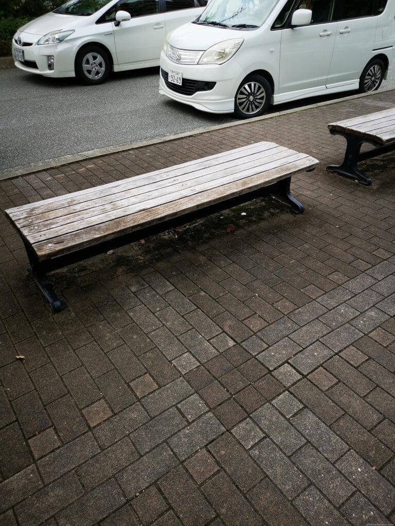 【清荒神駅】清荒神駅前ロータリーの休憩場所2