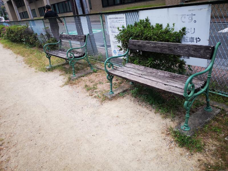 【宝塚駅】栄町公園の休憩場所2