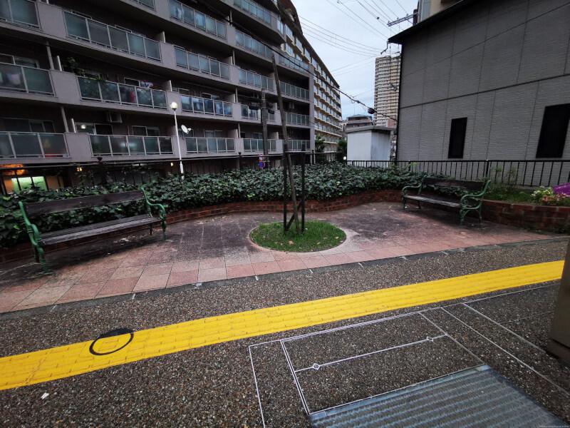 【宝塚南口駅】生瀬門戸荘線の休憩場所1