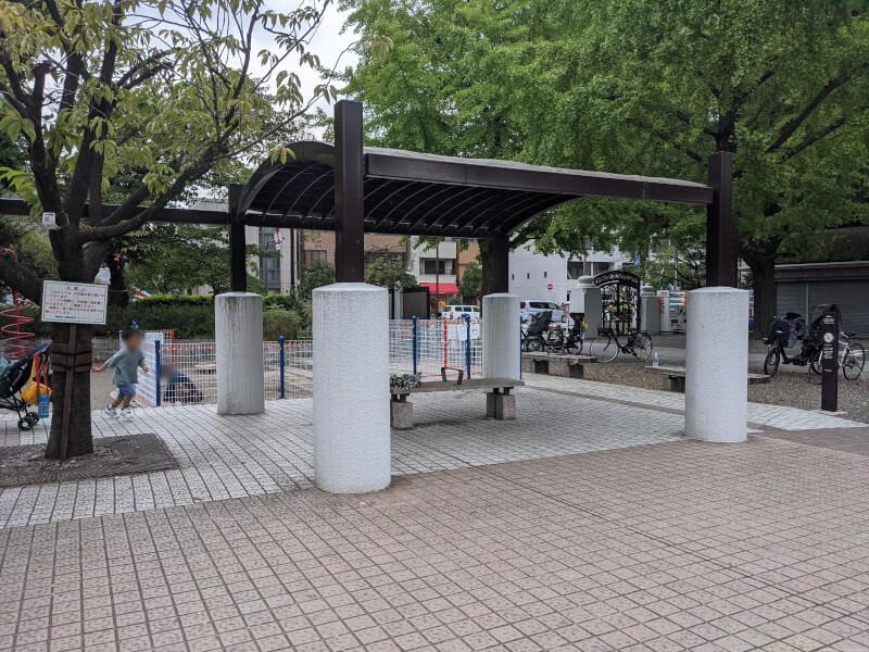 【両国駅】横網町公園の休憩場所2