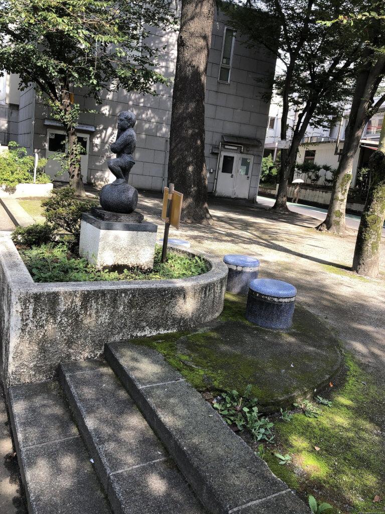 【大山駅】板橋グリーンホール横の休憩場所1