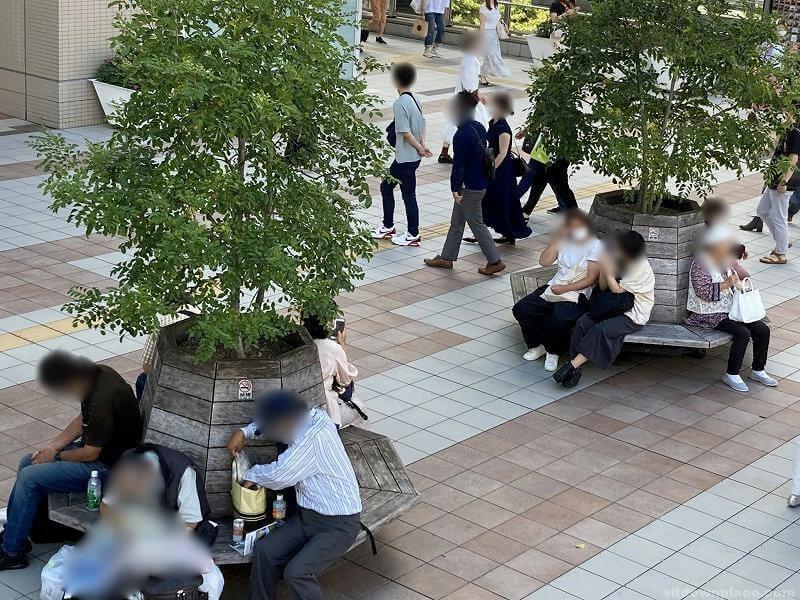 【梅田駅】LUCUA大阪2F東側の休憩場所4