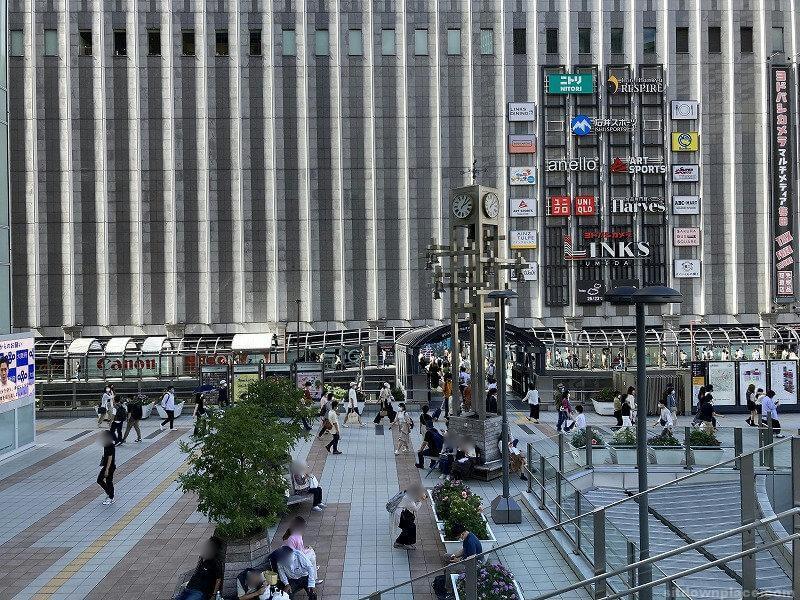 【梅田駅】LUCUA大阪2F東側の休憩場所1
