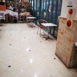 【中山寺駅】駅前複合商業施設ラッキー内の休憩場所