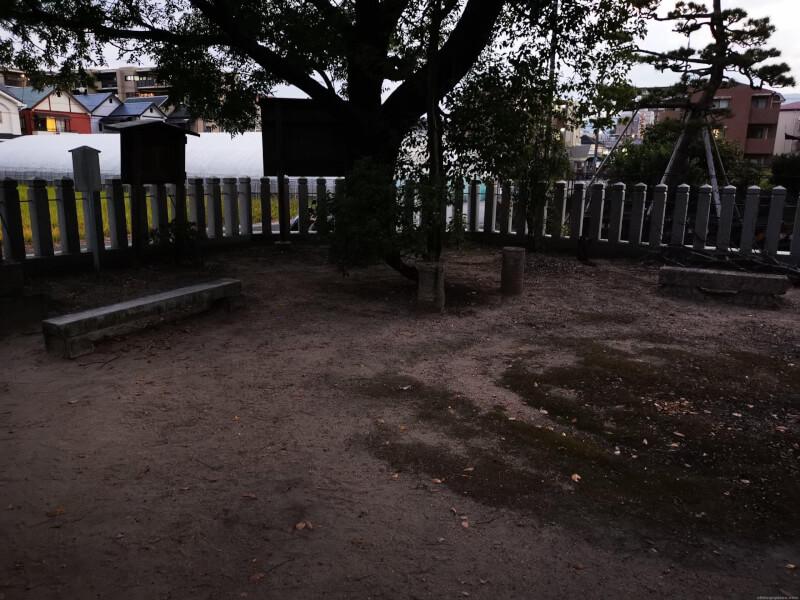 【甲東園駅】段上若宮八幡宮神宮の休憩場所1