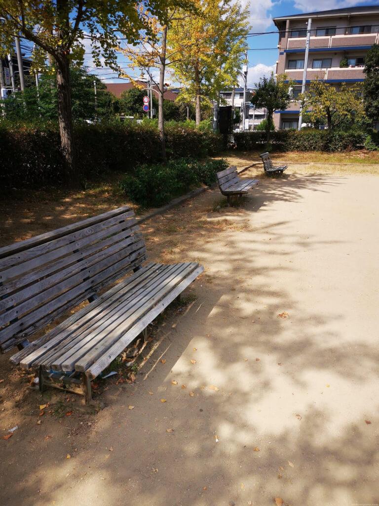 【塚口駅】森前公園の休憩場所2