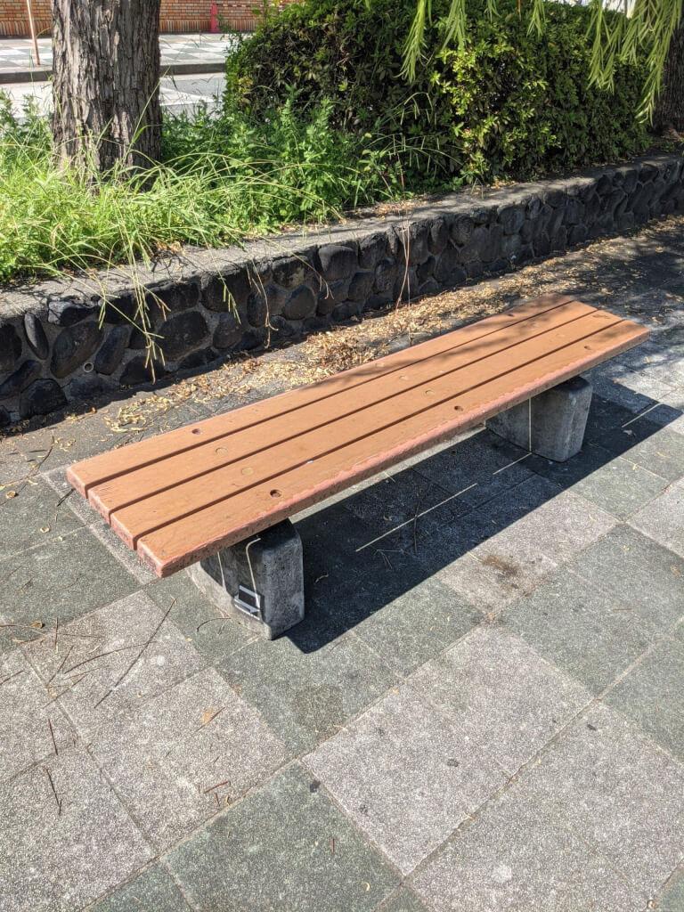 【武庫之荘駅】ゴンドラの噴水周りの休憩場所2